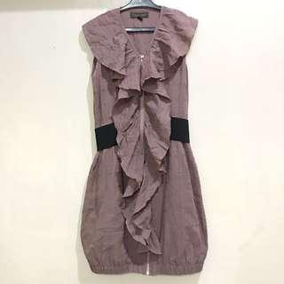 Ruffled dress with belt