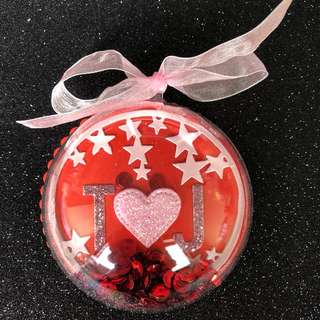 Shaker ornament in pink & red