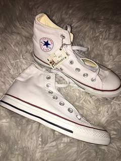 Converse Never Worn Size 6.5
