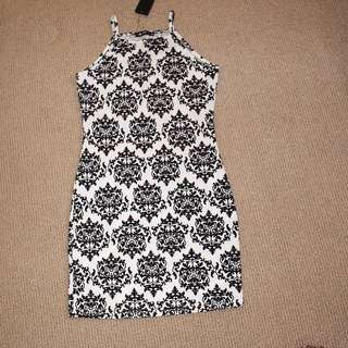 Black & White Strappy Dress (Size : 8)