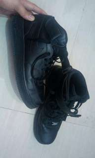 Sell air force 1 mid all black