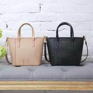 Charles & keith Hand bag  w/sling  zipper small 'size(18x25x10)