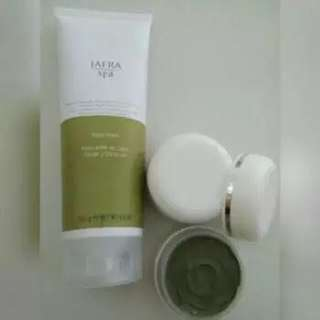 Share in jar mud mask