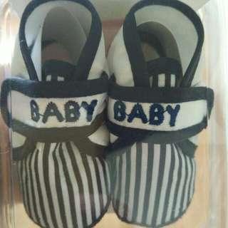 Tolly Joy Newborn Shoe