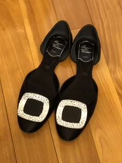Roger vivier crystal chips shoes black