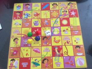 Dora snakes and ladders