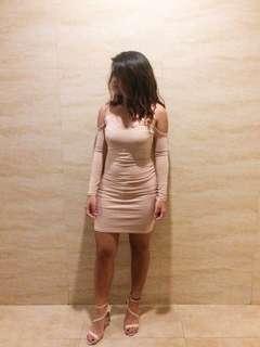 H&M Nude Off-Shoulder Skintight Dress