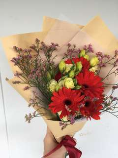 Gerbera with Lisanthum Bouquet