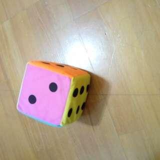🚚 絨布彩色骰子