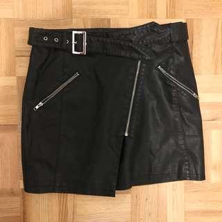 f21 black pleather mini skirt