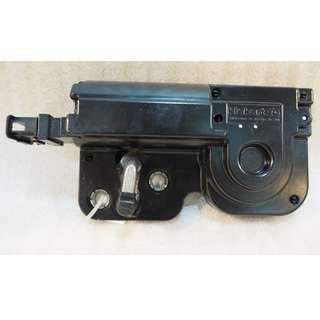 ORIGINAL USED PORSCHE CAYENNE 2007 REAR TRUNK LID LOCK LATCH 7L0827511C #999
