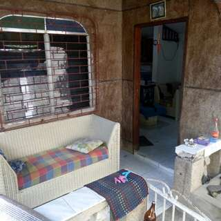 House for rent in babag lapu lapu Good for family, pwede pud mag per head basta 5k ang rent Dako ug space 2 rooms 1 cr duol ra sa carsada, naay ka parkingan sa motor ra Gated mingaw hayahay 1month advance 1 month DP Contact 09224551428/09054590064