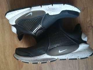 Nike sock dart leather