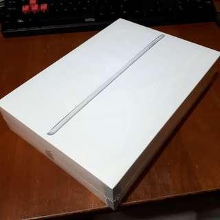 Sealed iPad 2017 128gb WiFi Silver