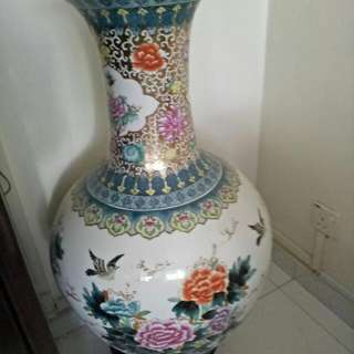 "36""( Ht)  Sweet Vintage Chinese Big Long Flower Vase With Rosewood Base Round Stand"