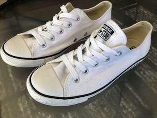 Converse Allstars size 6