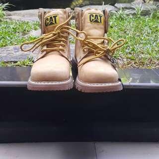 Caterpilar shoes