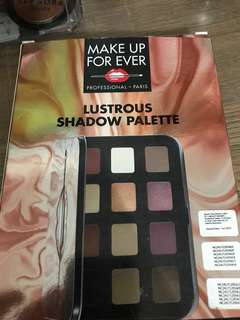 MAKEUP FOREVER LUSTROUS SHADOW PALLETE