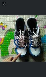Sepatu legas sport