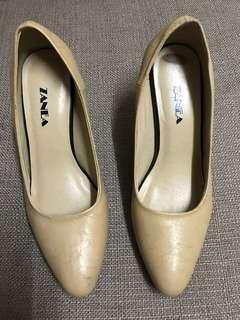 Zanea nude shoes