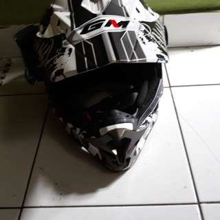 Helm gm supercross
