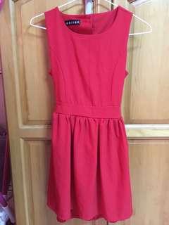 大紅露背洋裝