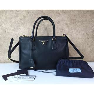 PRADA BN1801 SAFFIANO LUX LEATHER DOUBLE ZIP SMALL TOTE BAG