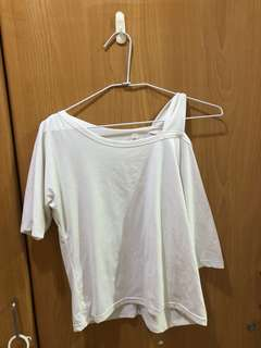 🚚 露肩短袖(白色)