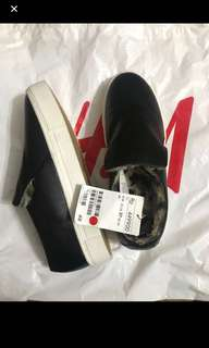 hnm shoes new with tag