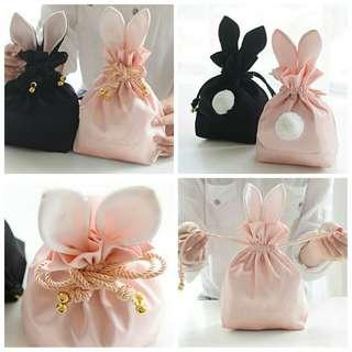 【現貨】 日系 經典 兔兔 包包 大耳朵 動物 化妝包 可愛 俏皮 收納包 療癒 粉色系 時尚 隨身包 手拿包 女包
