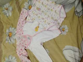 Mix clothes of baby girl 6 to 12 months