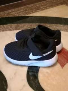 Nike shoe kid