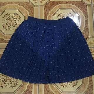 Uniqlo blue polkadot skirt