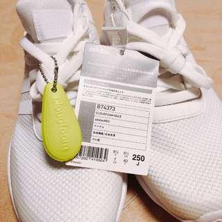 Adidas Cloudfoam 全白