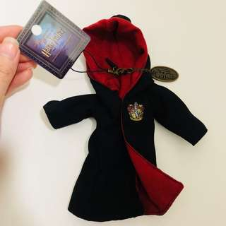 Universal studios Japan Harry Potter gryffindor robe keychain earphone jack dust cap