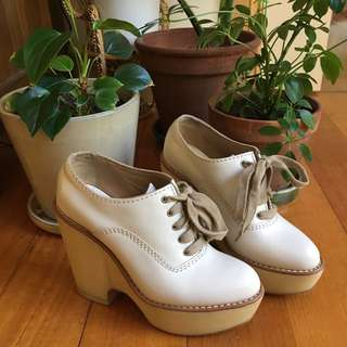 Rare Chloé platform lace up shoes in ivory