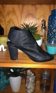 Open toe black heels
