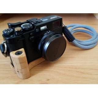 99%新 X100F連相機繩及其他配件
