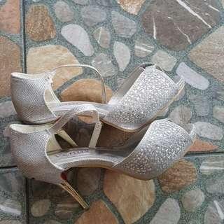 Shinny silver heels