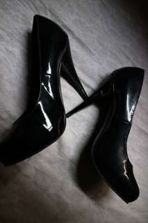 Australian black high heeled shoes for Sale