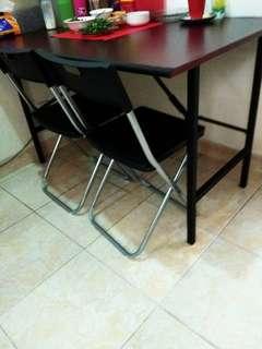 Jual cepat meja makan+4 kursi by IKEA