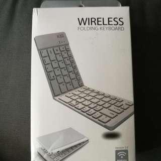 Bluetooth Keyboard BRAND new 全新藍牙鍵盤