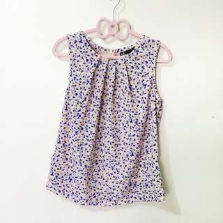 pink and blue floral sleeveless (zip) blouse