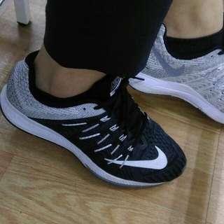 🚚 賠錢求售 正品 Nike Air Zoom Elite 8