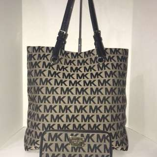*reduced* Michael Kors Tote & Matching Wallet