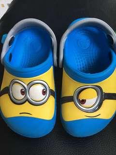 Minion shoe