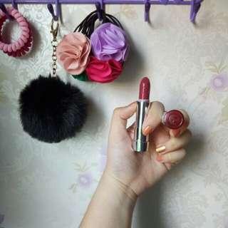 Essense's Lipstick