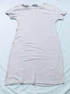 SM WOMAN GRAY DRESS