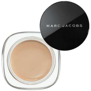 Authentic MARC JACOBS Marvelous Mousse Transformative Foundation