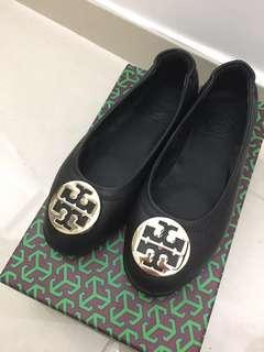 Black flat Tory Burch style Size 34